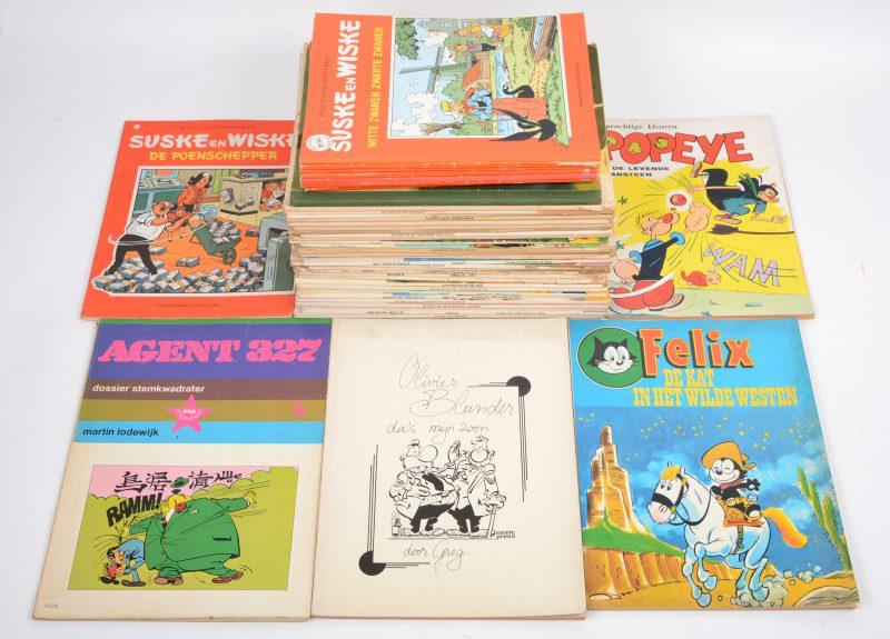 Een lot van veertig strips, grotendeels Asterix en Suske & Wiske.