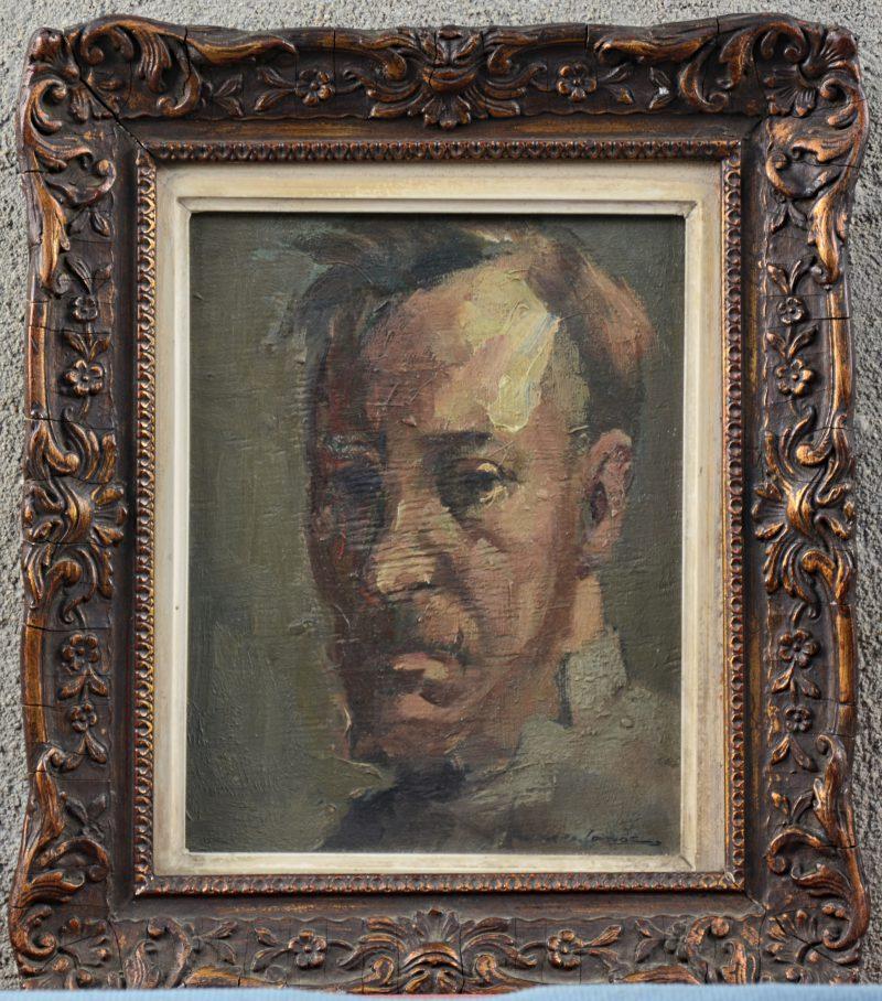 """""""Portret"""". Olieverf op paneel. Onleesbaar gesigneerd. Achteraan etiket 'Tentoonstelling K.A.B. (5 - 16/04/'52)."""