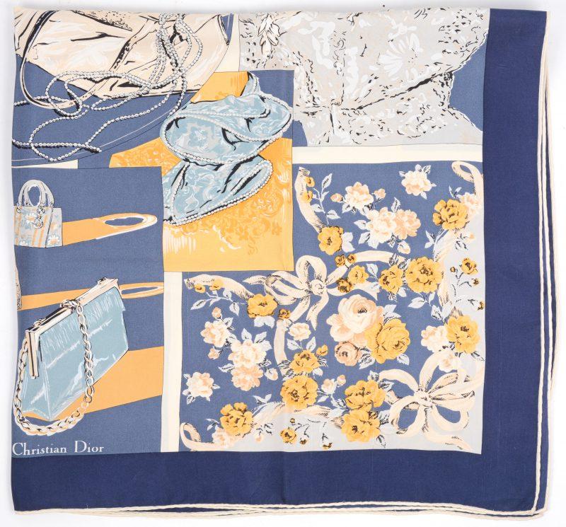 Een zijde foulard.