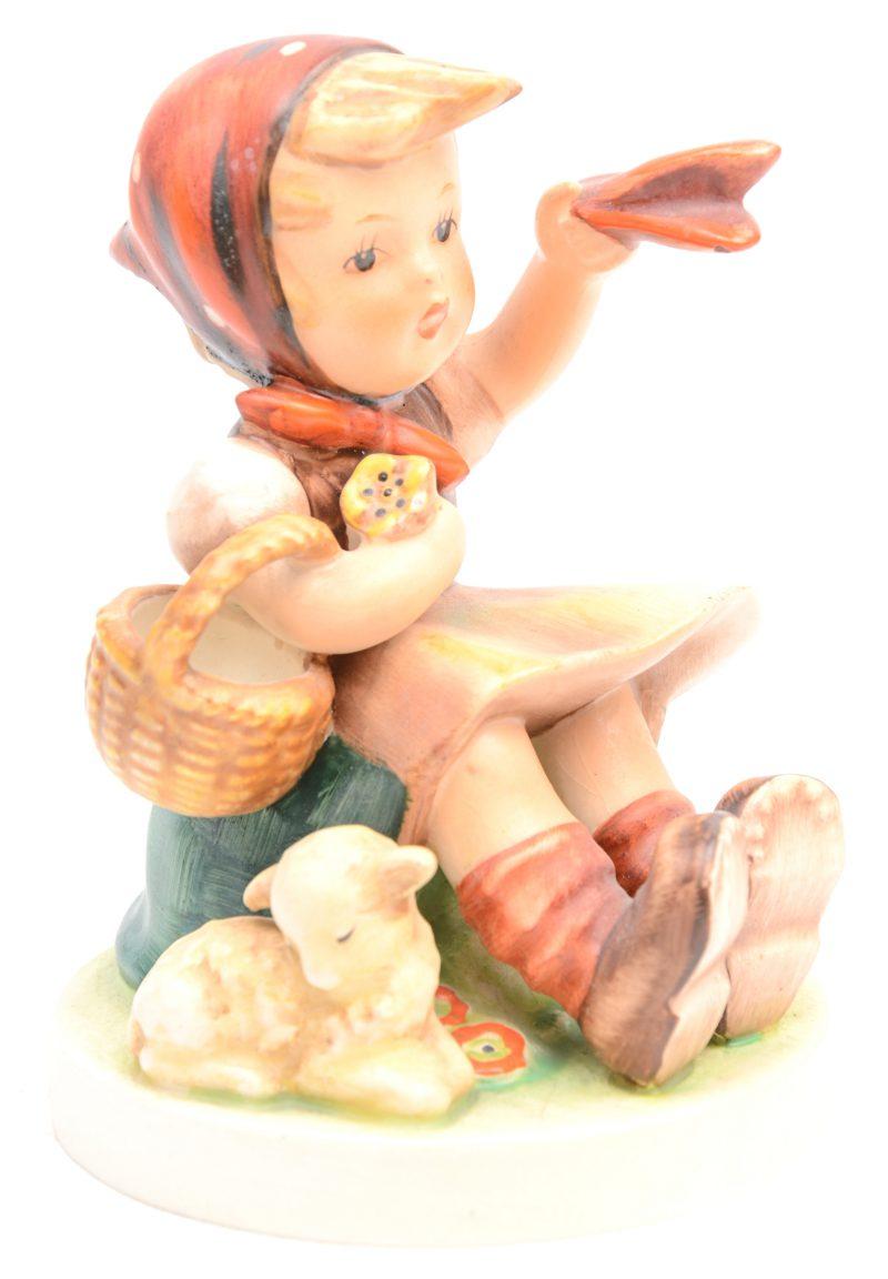 """""""Farewell"""". Ee beeldje van meerkleurig biscuit naar ontwerp van M. I. Hummel. Nr. 65/1. Gemerkt."""