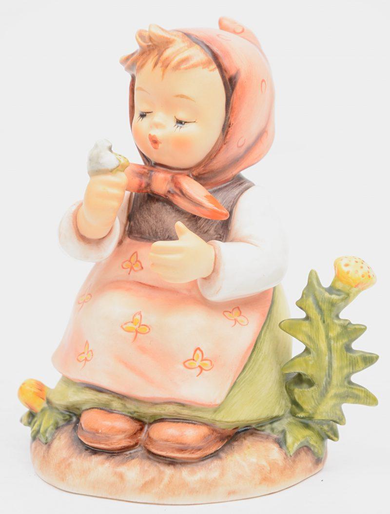 """""""Make a wish"""". Ee beeldje van meerkleurig biscuit naar ontwerp van M. I. Hummel. Nr. 475. Gemerkt."""