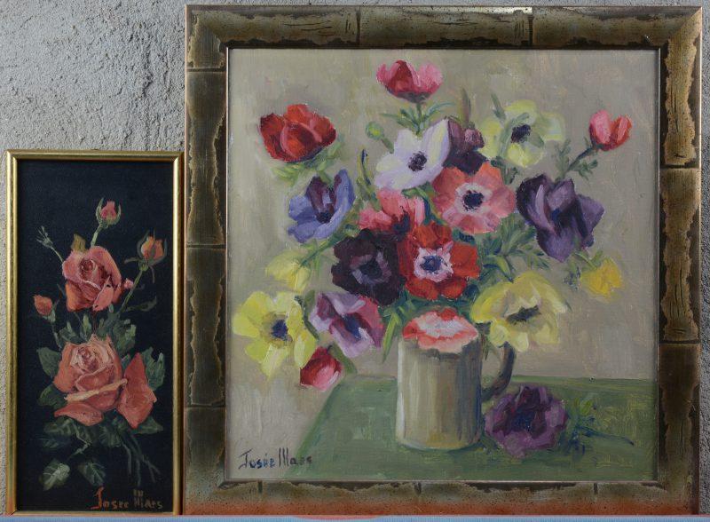 """""""Bloemenvaas"""" & """"Stilleven met rozen"""". Een paar olieverfschilderijtjes, resp. op doek en op metaal. Beide gesigneerd."""