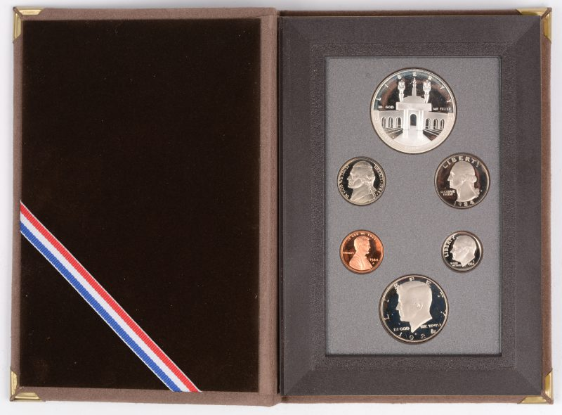"6 munten ""Collector's Set Olympics"" vanaf 1 silver dollar tot 1 cent.  USA 1984. In luxe-etui."