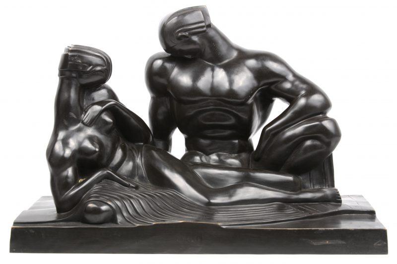 """""""Vrouw en man"""". Een bronzen groep in modernisctische stijl naar voorbeeld van Boris Lovet-Lorski."""