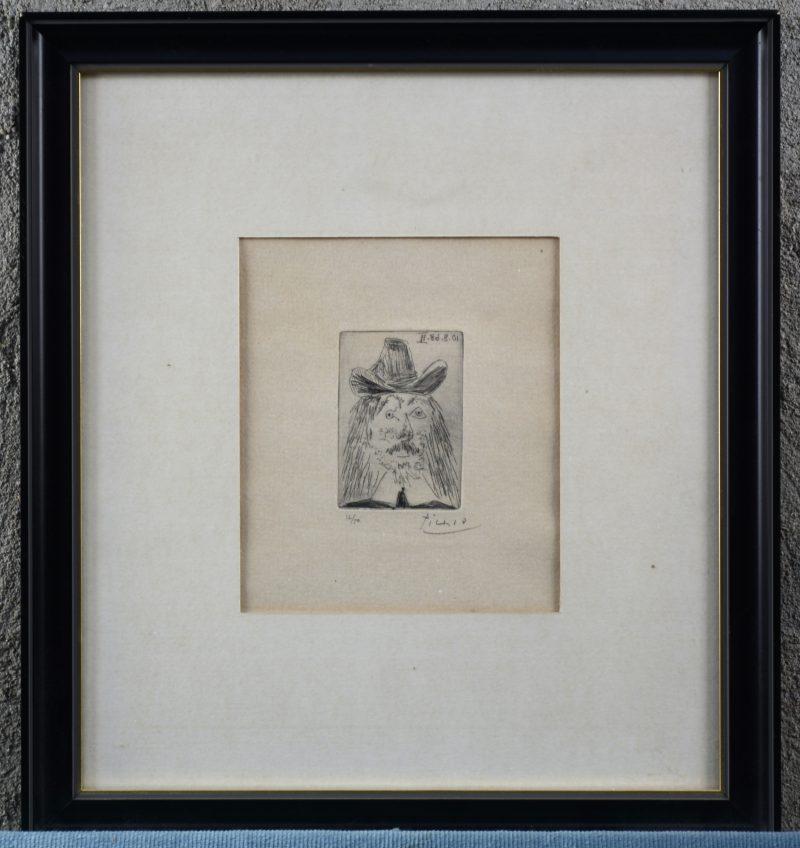 """""""Man met hoed"""". Een ets. Gesigneerd """"Picasso"""" en genummerd 12/50 buiten de plaat."""