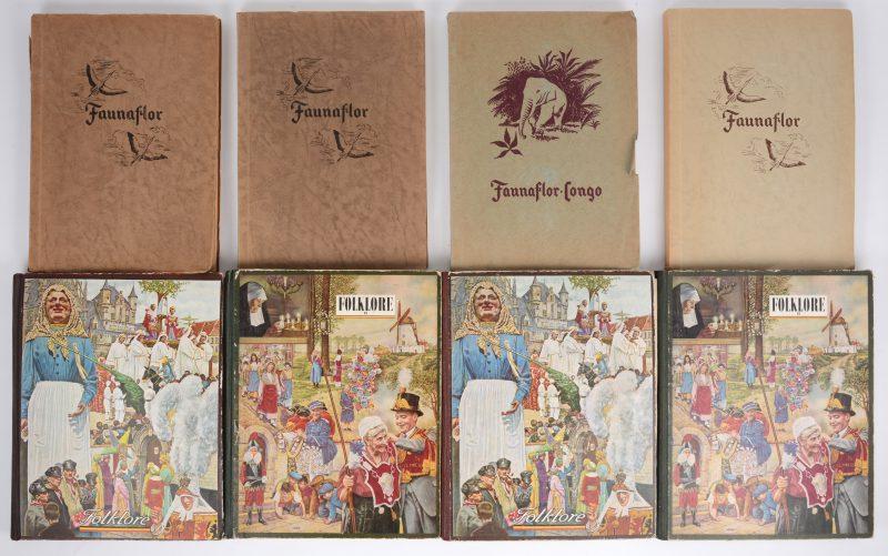 Een lot chromo-albums, uitgegeven door Côte d'Or, bestaande uit vier albums uit de reeks 'Faunaflor' (één dubbel) en twee maal twee albums van de reeks 'Folklore'