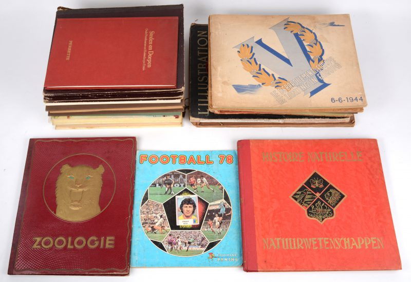 Een lot chromo-albums e.d., waarbij uitgaves van Kwatta, De Beukelaer, Toffee Trefin, Gebr. Veen, Ri-Ri Demaret, Meurisse, enz. Vele uitgave niet compleet gevuld.