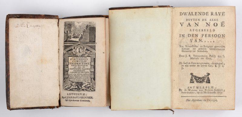 """Twee oude boeken in lederen band: - """"Sacrosancti et oecumenici concilii tridentini"""". Antwerpen, 1644.- """"Dwalende rave huiten de arke van Noë"""". Antwerpen, 1757."""