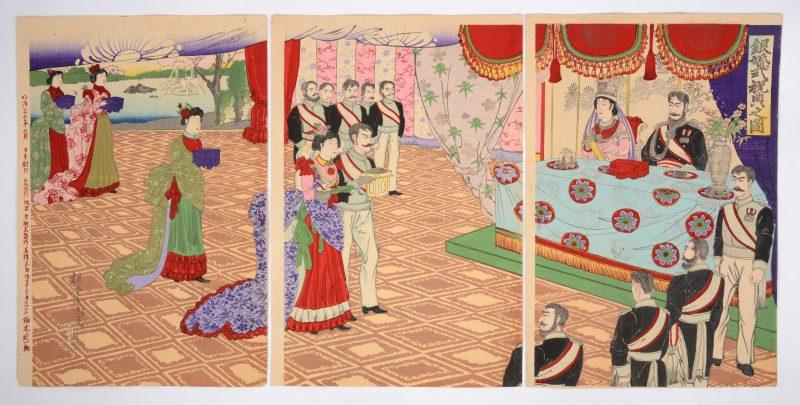 """""""Keizerelijke zilveren bruiloftsceremonie"""". Een Japans triptiek. Gesigneerd. Tijdperk Meji."""