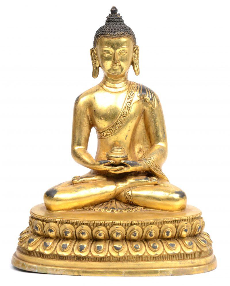 Een verguld bronzen Thaise Boeddha.