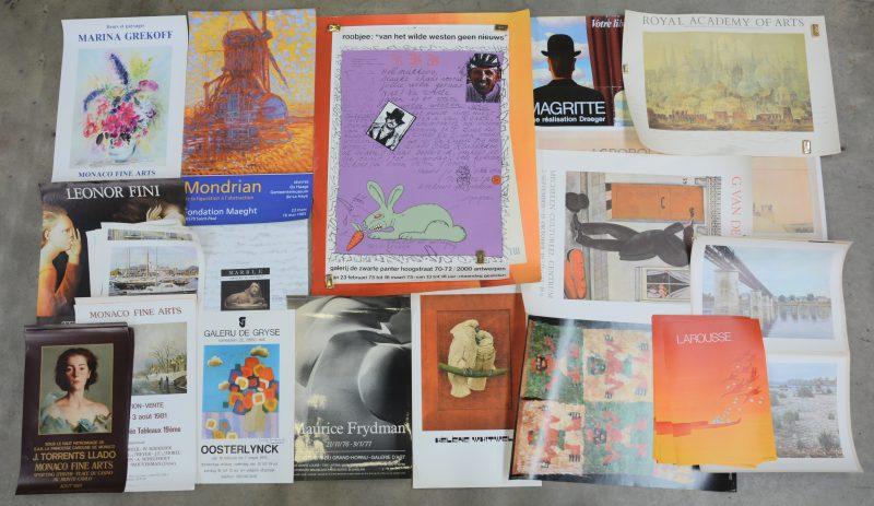 Een groot en gevarieerd lot kunstreproducties en tentoonstellingsaffiches.