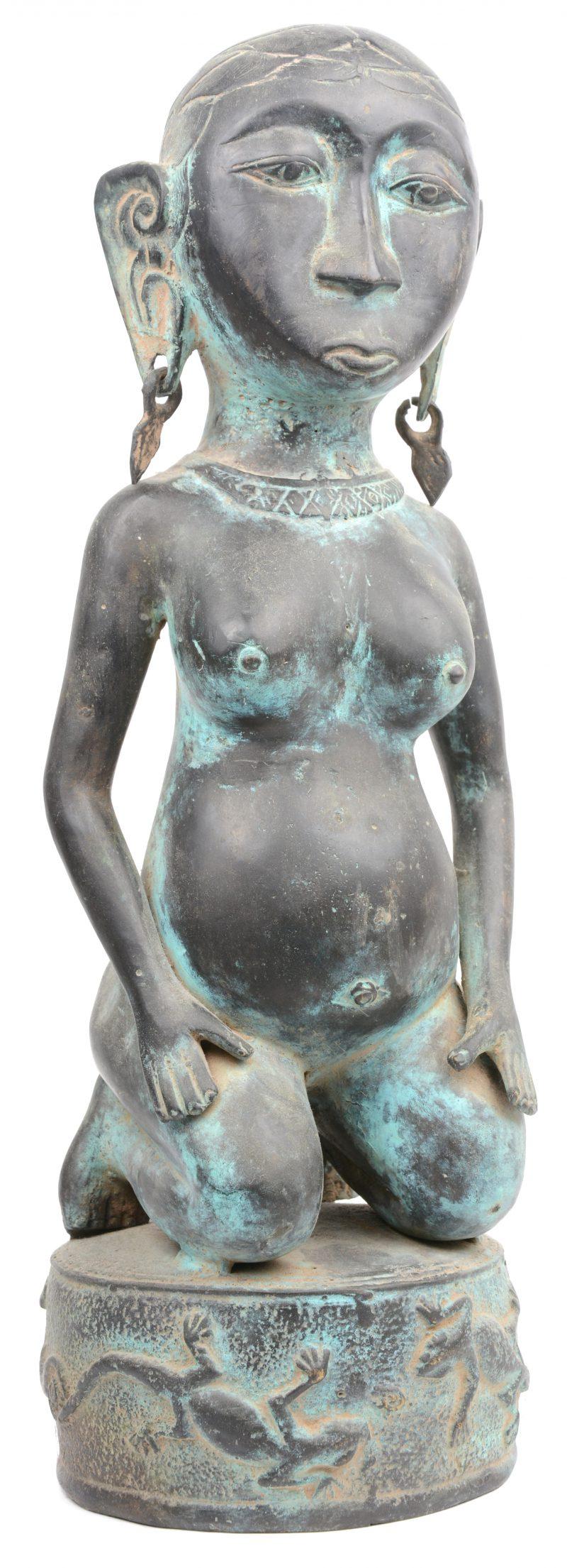 Een bronzen vruchtbaarheidsbeeld.