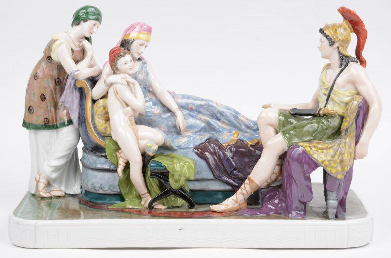 """""""Romeinse scène"""". Een meerkleurig porseleinen groep. Achteraan gemerkt. Eén duimpje gerestaureerd."""