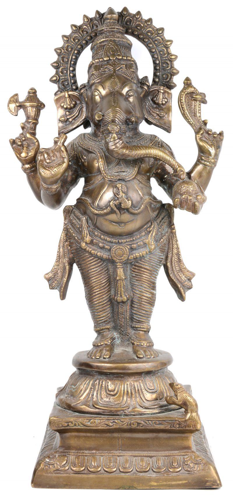 Een bronzen Ganeshabeeld.