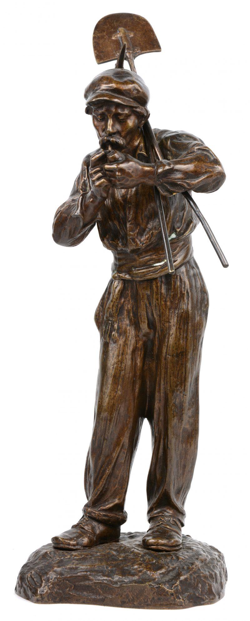 """""""Rokende boer"""". Een bronzen beeld. Gesigneerd."""