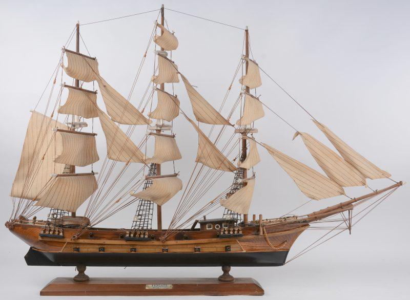 Een scheepsmaquette van een XVIIIe eeuws fregat.