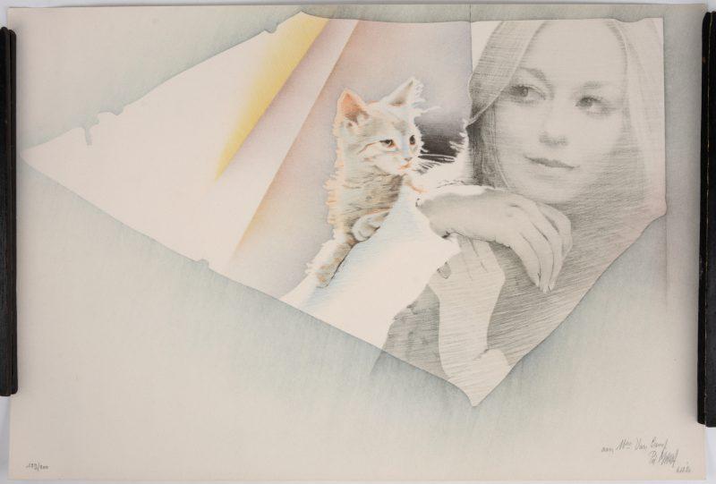 """""""Vrouw met kat"""". Een lithografie. Gesigneerd, gedateerd 6.12.80 en genummerd 129/200 buiten de plaat. Met dédicace."""