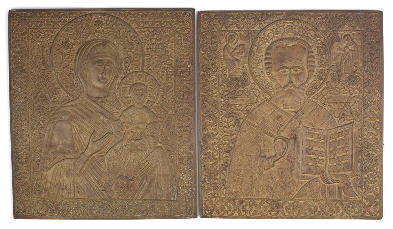 """""""Moeder Gods"""" & """"Sint Jozef"""". Twee Russische messingen iconen."""