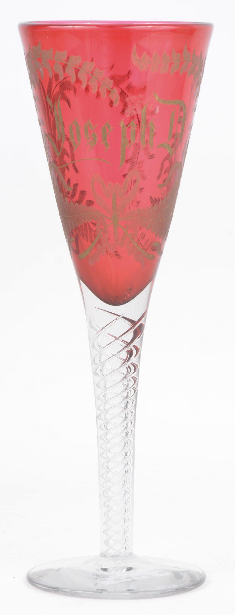 Een Boheems gegraveerd glas.