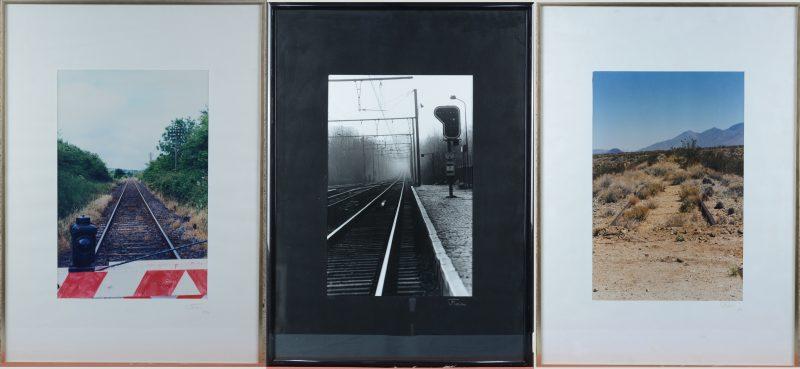 Drie ingekaderde foto's van spoorwegen. Alledrie buiten de prent gesigneerd en twee genummerd, resp. 6/97 & 6/95.