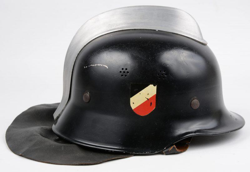 Een oude Duitse brandweerhelm.