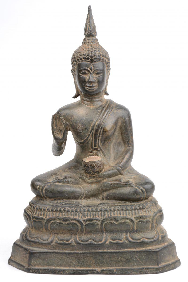 Een bronzen Thaise Boeddha. XIXe eeuw.