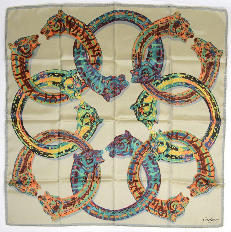 Een zijden foulard.