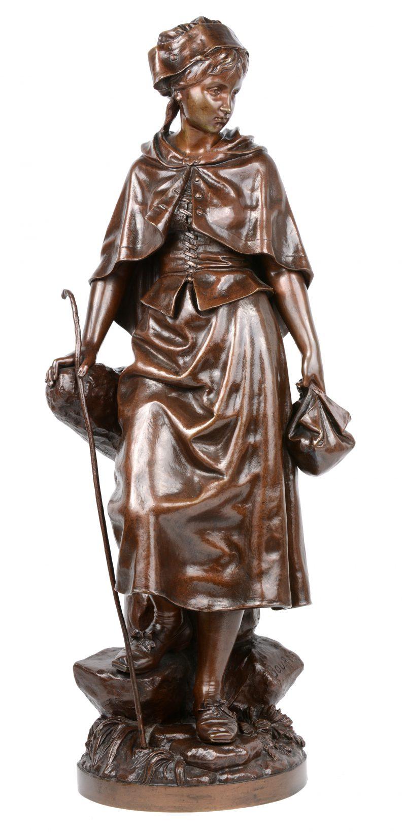 """""""Herderinnetje"""". Een gepatineerd bronzen beeld. Gesigneerd."""