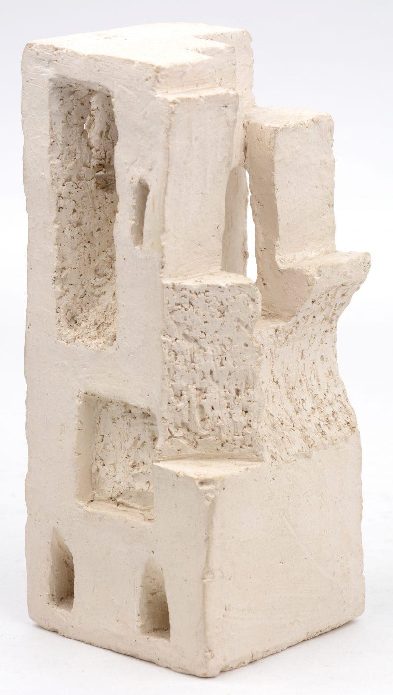 Kubistisch sculptuur. Gemonogrammeerd VT.