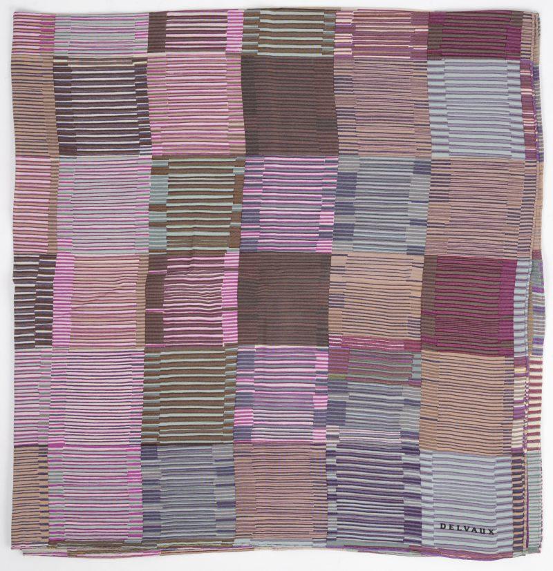 Een zijden foulard. Gemerkt.