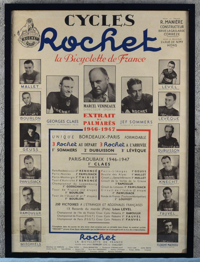 Een oude ingekaderde reclameaffiche voor fietsen Rochet.
